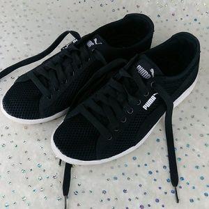 Puma Black Soft Foam Sole Lightweight Sneakers